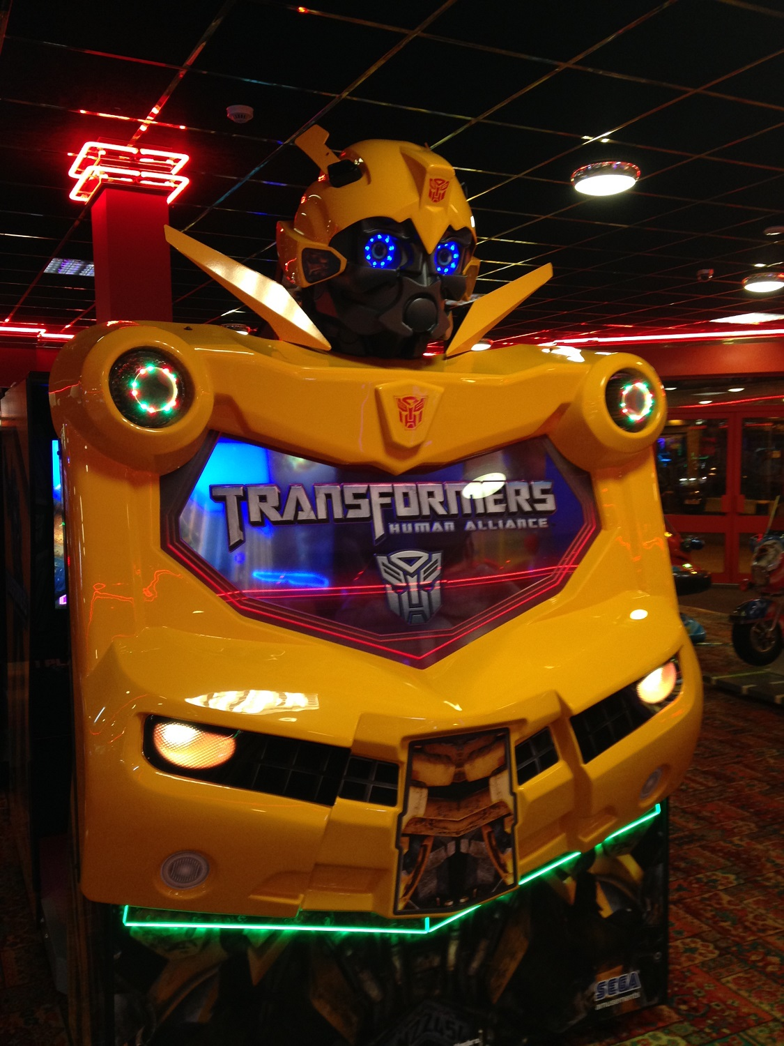 A Closer look at the Transformers: Human Alliance Arcade Game ...